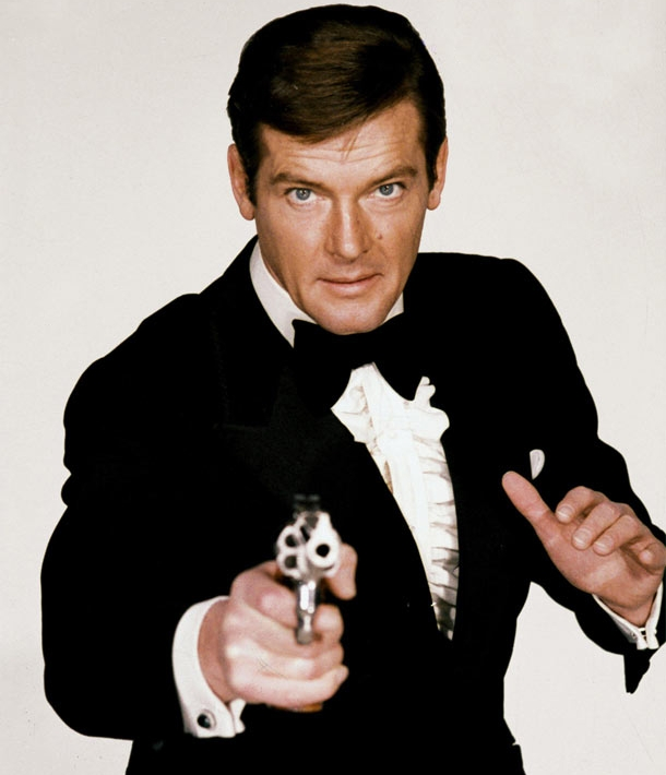 Bond fan recalls 'brilliant' Roger Moore encounter